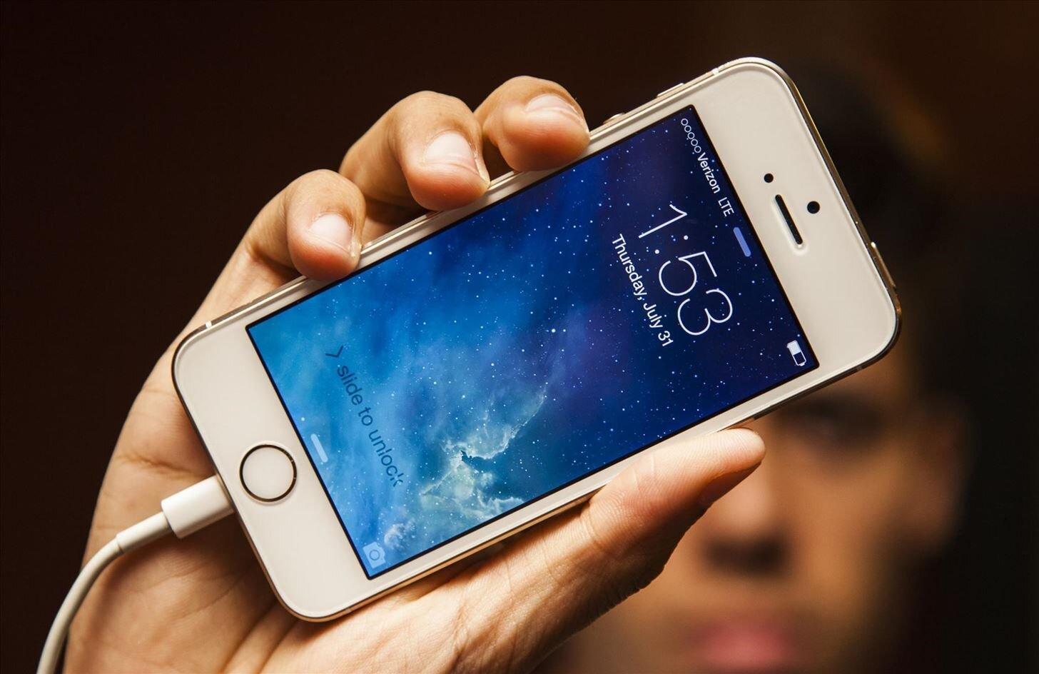 Dùng sạc iPad cho iPhone có được không?