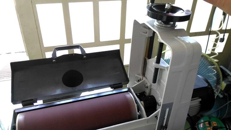 máy chà nhám thùng