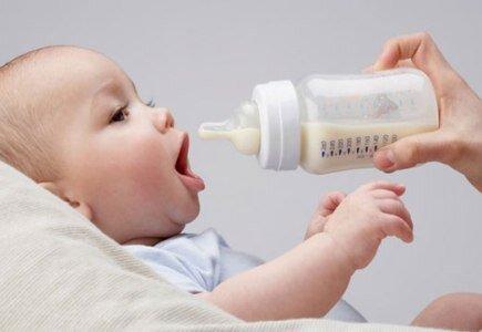 Kinh nghiệm chọn sữa cho trẻ dựa vào thành phần dinh dưỡng