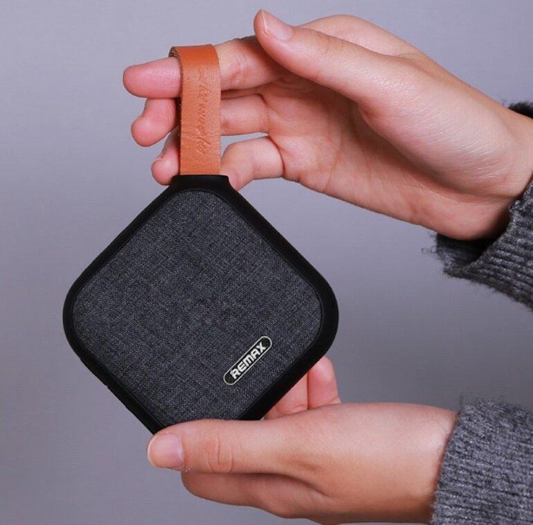 Loa Bluetooth Remax RB-M15 với tính năng chống nước