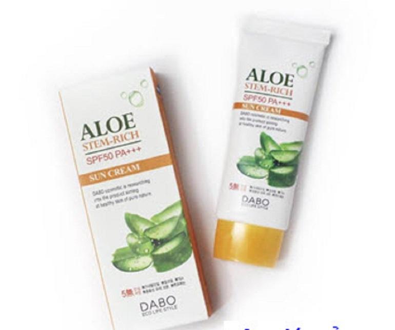 Kem chống nắng dưỡng da lô hội Dabo Aloe Stem Rich SPF50 PA+++