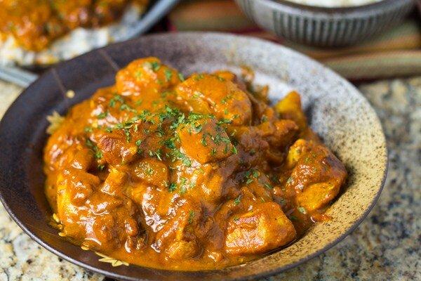 Lạ miệng với món gà om cà ri nước dừa