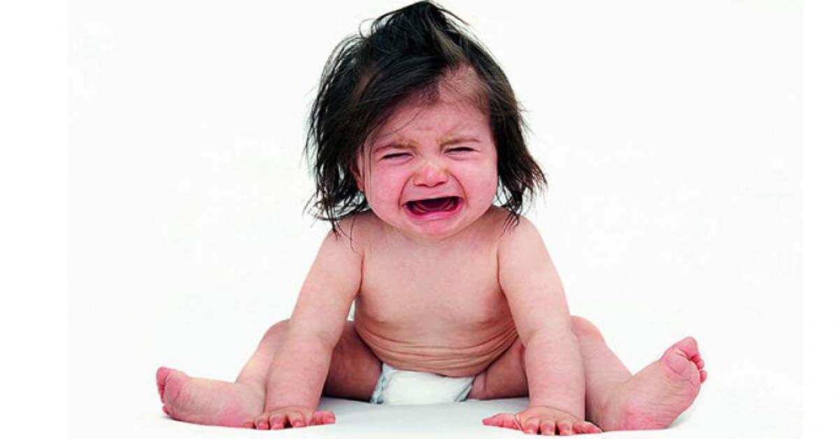 Làm gì khi trẻ sơ sinh dưới 6 tháng tuổi bị táo bón?