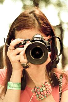 Làm thế nào để cầm máy ảnh đúng cách ?