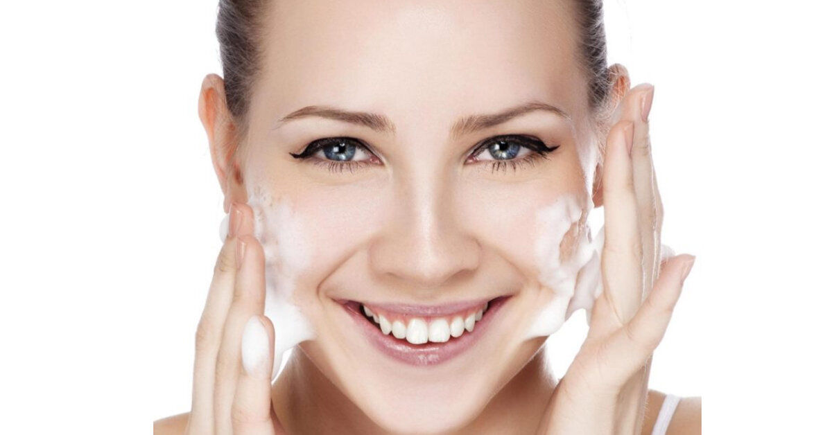 Làm thế nào để chọn đúng sữa rửa mặt trị mụn cho da dầu ?