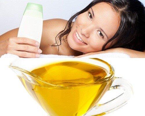 Làn da trắng mịn tự nhiên bằng cách tắm dầu oliu với sữa tắm