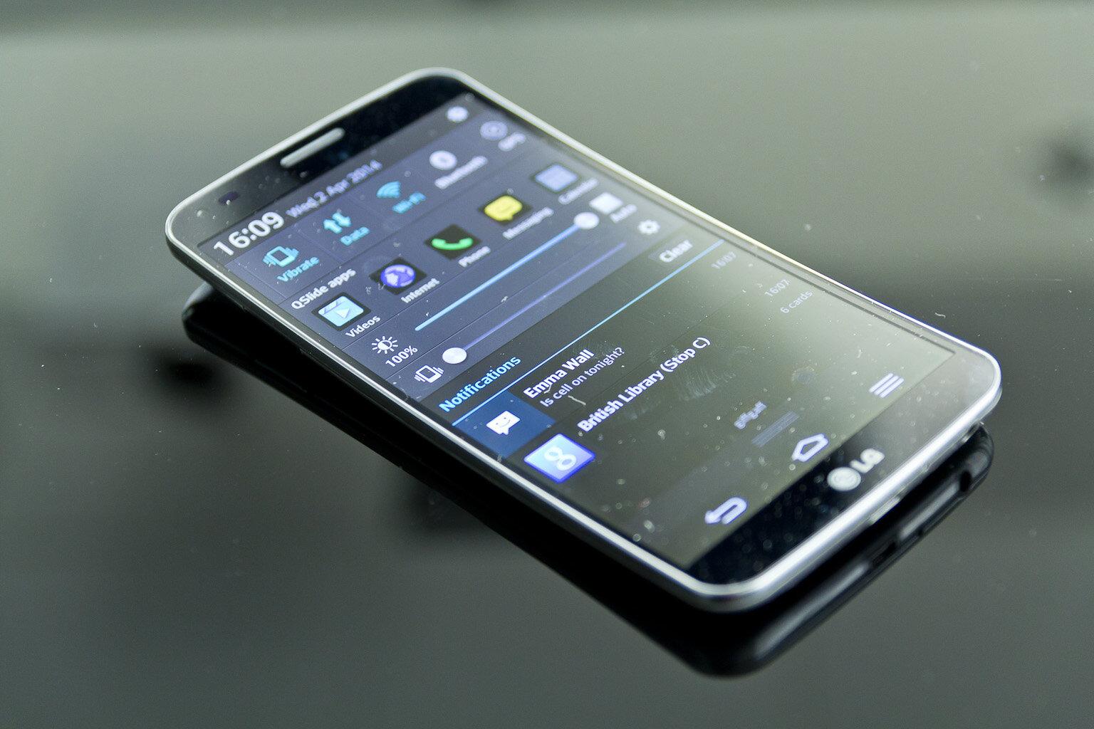 LG G Flex 2 được đăng bán trên Amazon với giá khoảng 15 triệu đồng