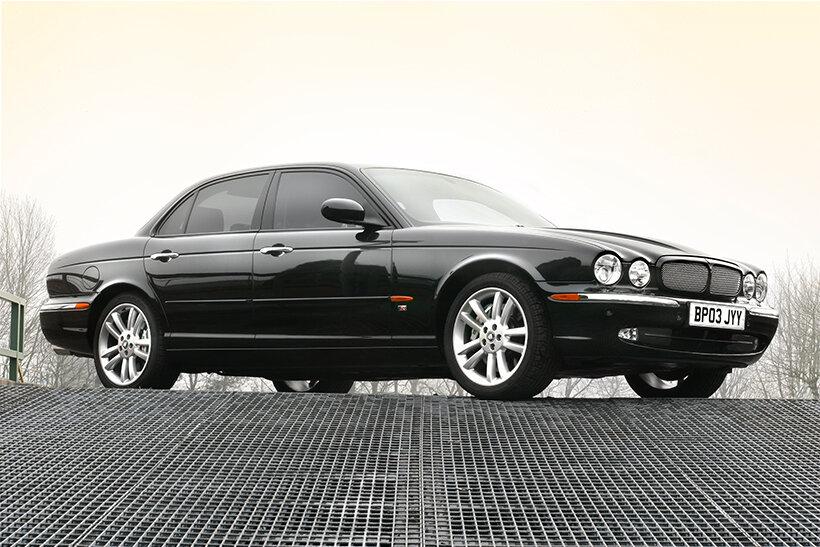 Xe ô tô Jaguar XJ
