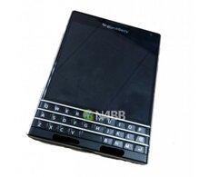 Lộ diện Blackberry Q30 với thiết kế lạ mắt
