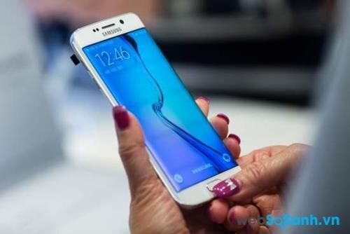 Lợi nhuận Samsung sụt giảm quý thứ bảy liên tiếp