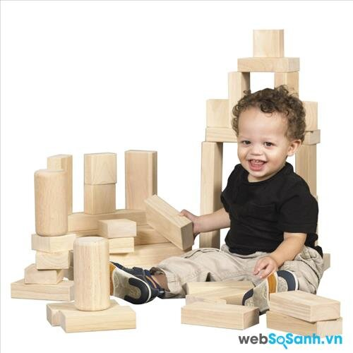 Lựa chọn đồ chơi phù hợp cho trẻ từ 12 - 24 tháng tuổi theo phương pháp giáo dục Montessori