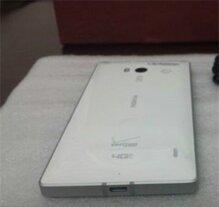Lumia 929 tiếp tục rò rỉ hình ảnh thực tế, trình làng vào tháng 12