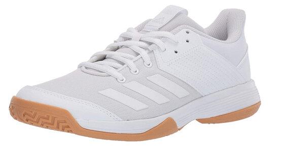 Lý do bạn nên chọn mua giày bóng chuyền Adidas