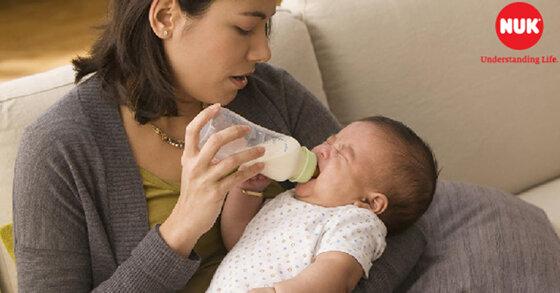 Lý do để mẹ nên chọn bình sữa Nuk Nature Sense cho bé