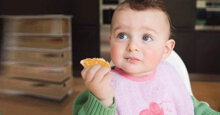 Lý do mẹ nên chọn bánh ăn dặm Nhật cho bé?
