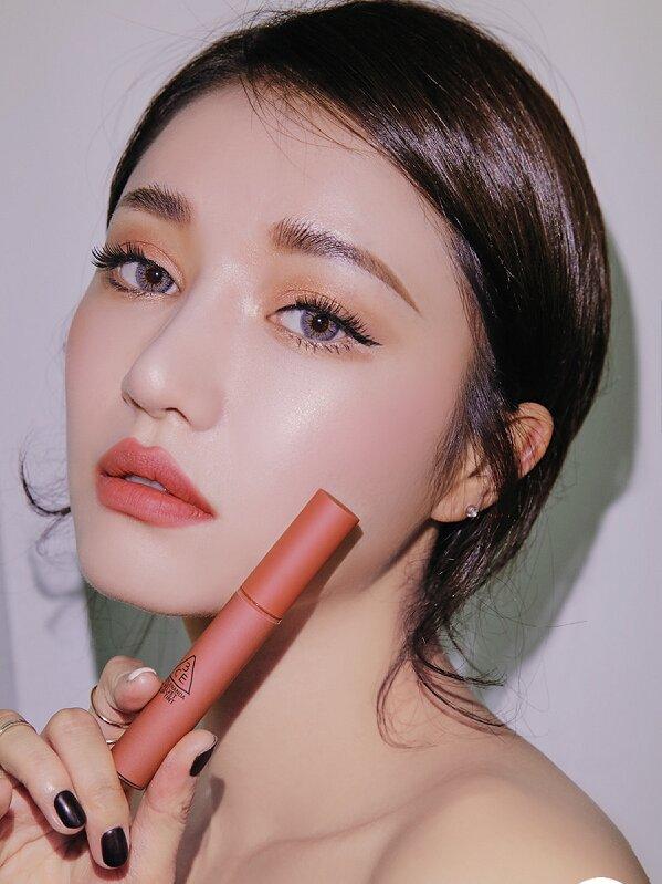 Lý giải cơn sốt mang tên son 3CE velvet lip tint
