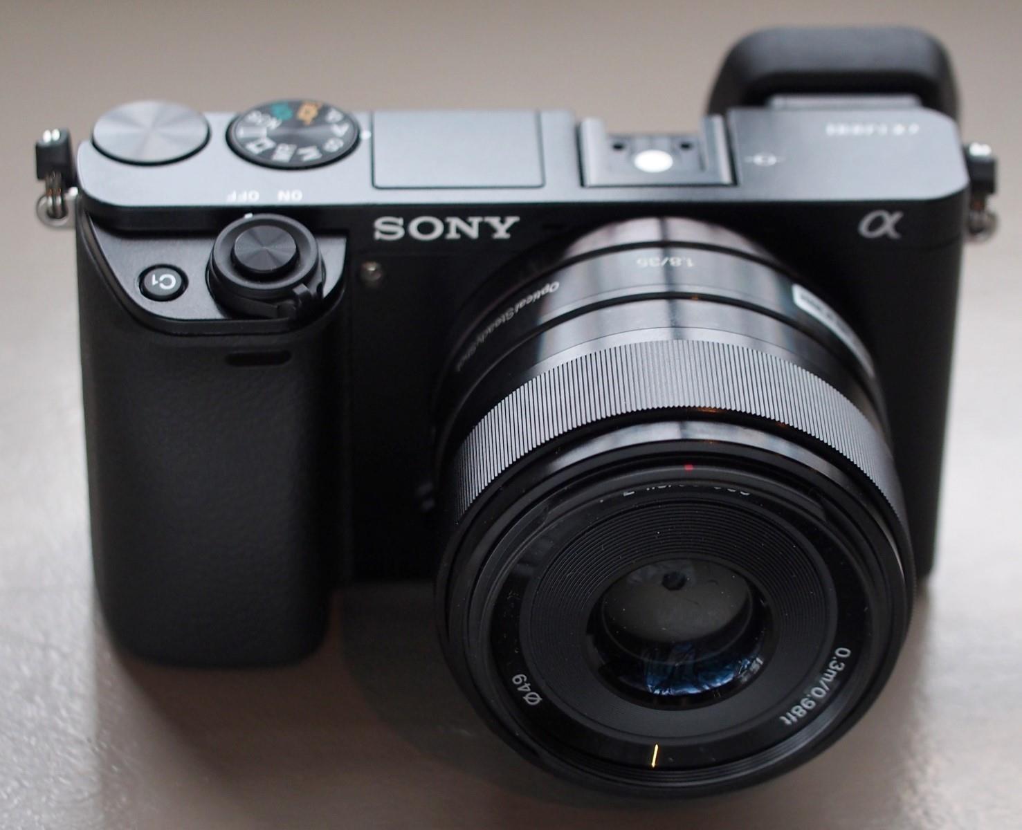 Sony Alpha A6000 là dòng máy ảnh có nhiều ứng dụng nhất
