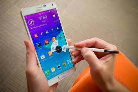 Màn hình của BlackBerry Passport hay Samsung Galaxy Note 4 đẹp hơn?