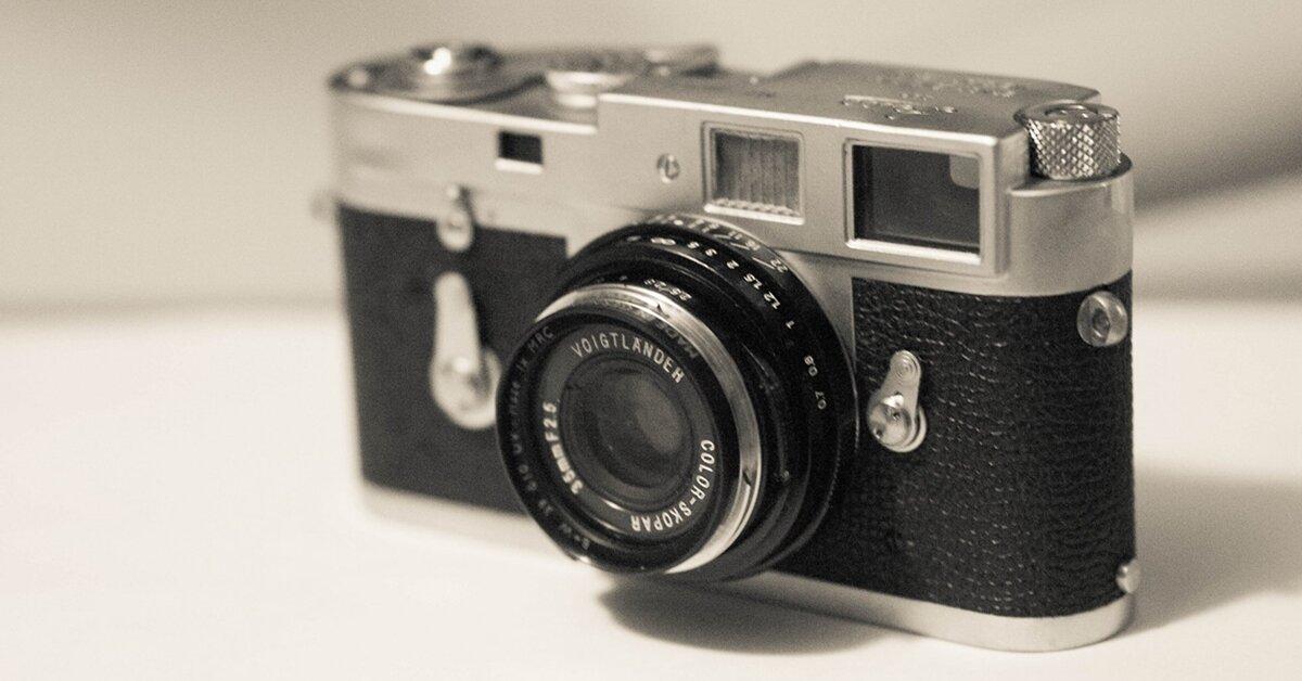 Máy ảnh cơ là gì? So sánh máy ảnh cơ và máy ảnh số
