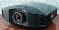 Máy chiếu Sony có những ưu nhược điểm nào đáng chú ý?