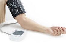 Máy đo huyết áp loại nào tốt Omron Microlife Beurer Uright Lanaform