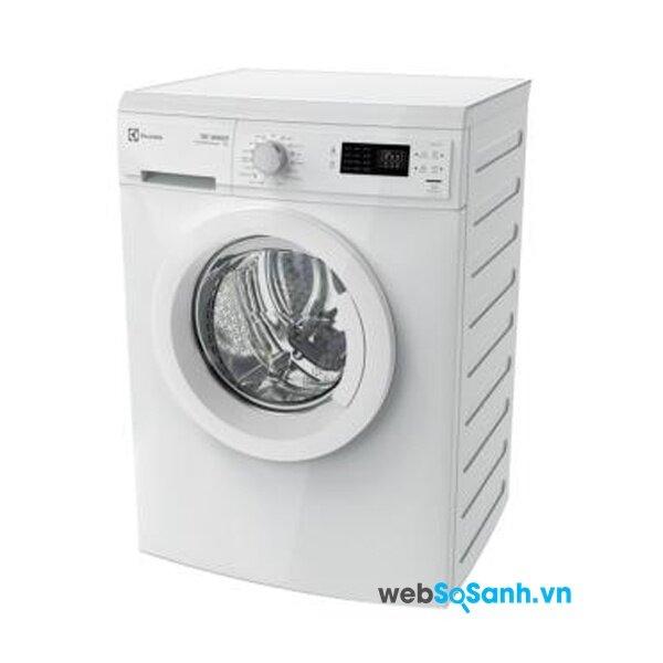 Máy giặt Elextrolux  EWP85752 đánh bay vết bẩn