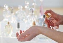 Mẹo hay khi dùng nước hoa để giữ hương thơm lâu nhất