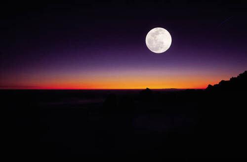 Mẹo nhỏ giúp bạn chụp ảnh mặt trăng đẹp