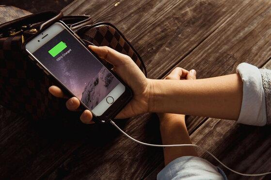 Mẹo tự ngắt sạc khi pin đầy iPhone để không gây nguy hiểm tính mạng