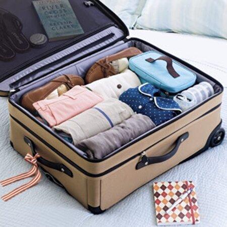 Mẹo xếp đồ vào vali siêu gọn cho chuyến du lịch mùa hè