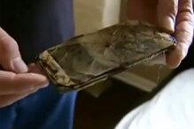 Một chiếc Galaxy S4 bị cháy khi được đặt dưới gối