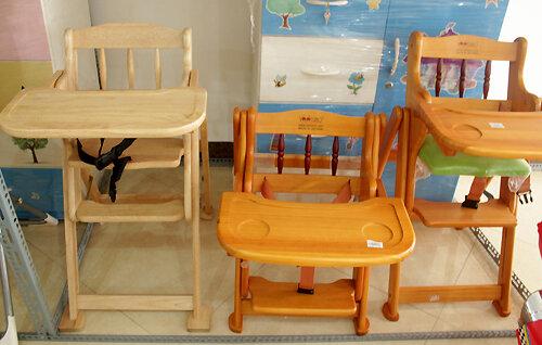 Một số điều mẹ cần lưu ý khi lựa chọn ghế ăn dặm cho bé