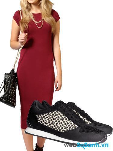 kết hợp giày thể thao và trang phục