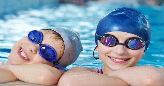 Mũ bơi có những loại nào? Loại nào tốt nhất hiện nay?