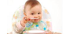 Mua bột ăn dặm cho bé 5 tháng tuổi cần lưu ý điều gì?