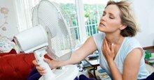 Mùa hè nắng nóng nhưng bạn vẫn có thể bị cảm lạnh vì sử dụng quạt điện, áp dụng ngay mẹo sau đây để phòng tránh nhé!