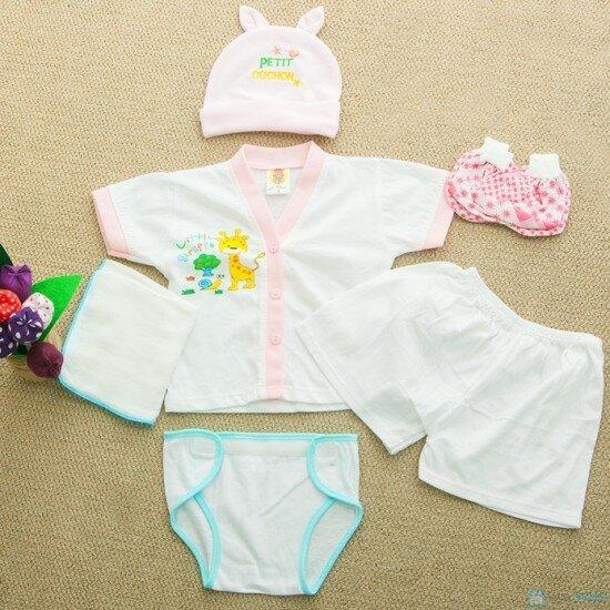 Mua quần áo cho trẻ sơ sinh – Bao nhiêu là đủ?