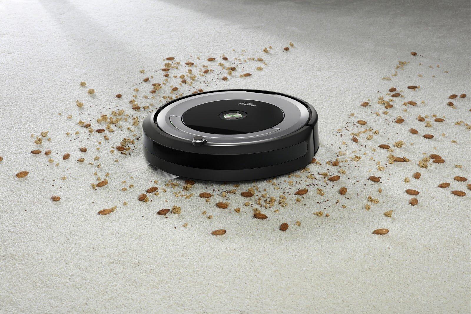 Robot có khả năng hút sạch được các bụi bẩn trên sàn nhà