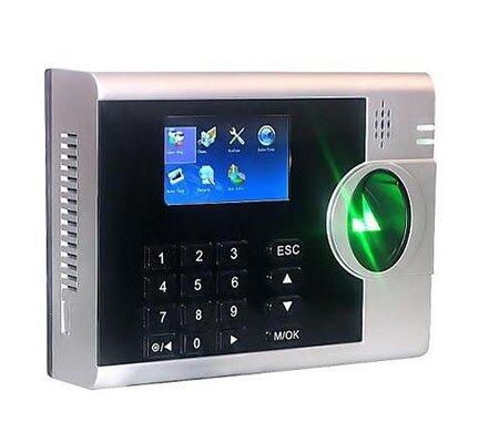 Nên chọn máy chấm công Ronald Jack 3000TID-C hay máy chấm công thẻ cảm ứng Wise Eye WSE-300?