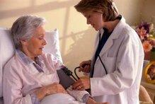 Nên chọn mua máy huyết áp điện tử hay huyết áp cơ?