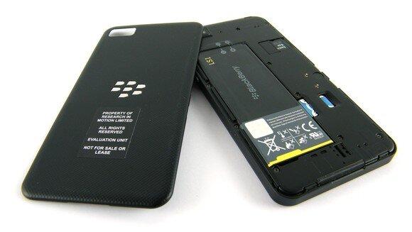 Nên mua Asus Zenfone C hay BlackBerry Z10?