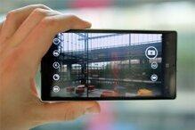 Nên mua Asus Zenfone Selfie hay Nokia Lumia 930?