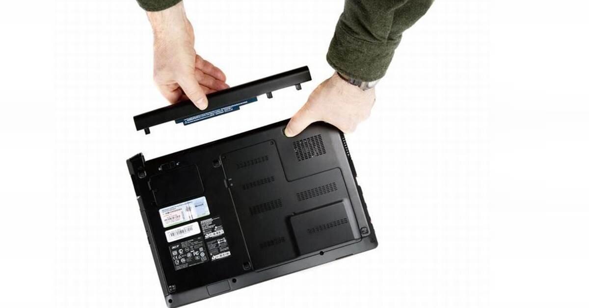 Nên mua laptop pin liền hay pin rời?