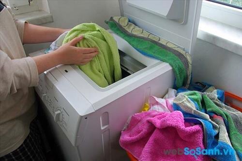 Nên mua máy giặt cửa ngang hay máy giặt cửa đứng?