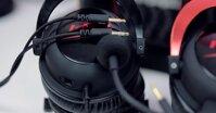 Nên mua tai nghe gaming không dây hay có dây?
