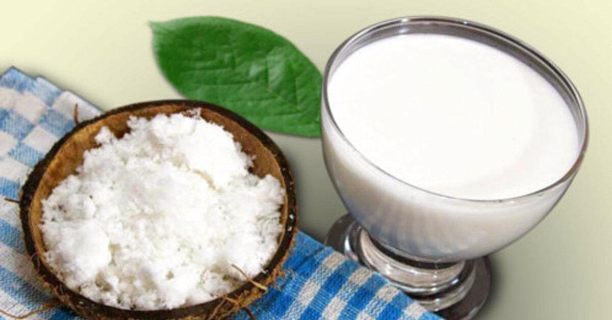 Nếu bé không thích sữa bí đỏ thì mẹ có thể làm sữa dừa tăng cân tự nhiên cho bé thật dễ dàng nhờ cách sau