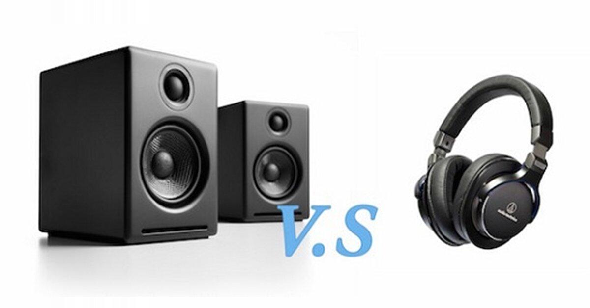 Nghe nhạc bằng loa và nghe nhạc bằng tai nghe khác nhau ở điểm nào?