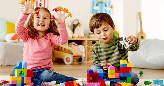 Ngoài đồ chơi Trung thu truyền thống, bố mẹ có thể mua gì cho trẻ từ sơ sinh đến 4 tuổi?