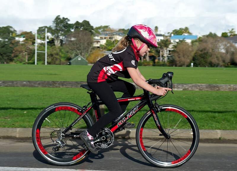 Nguy cơ tiềm ẩn khi trẻ em đi xe đạp