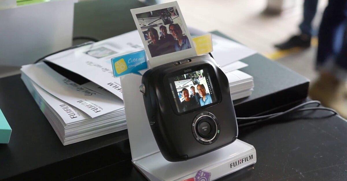 Nguyên nhân máy chụp ảnh lấy liền dần 'mất tích' trên thị trường